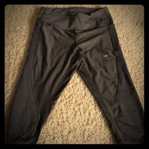 Nike Dry-fit cropped leggings Sz Small